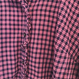 GAP Tops - Gap Fitted Plaid Tall Tissue Blouse